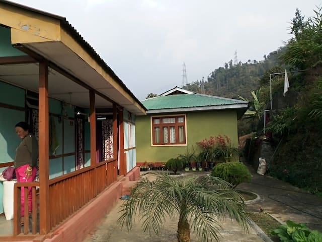 Twin bedroom in the lap of nature-Rajen Homestay