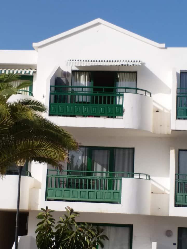 Apartamento en Costa Teguise a metros de la playa