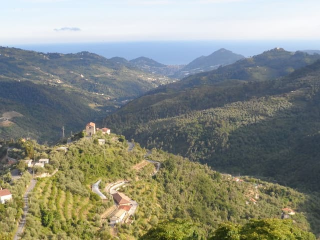 charming village,stunning sea View! - Perinaldo