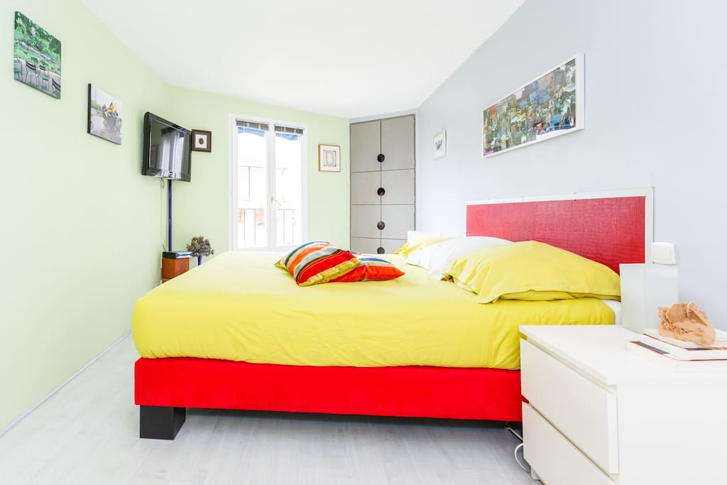 Authentique chambre h te bastille bed breakfasts for Chambre d hotes bastille