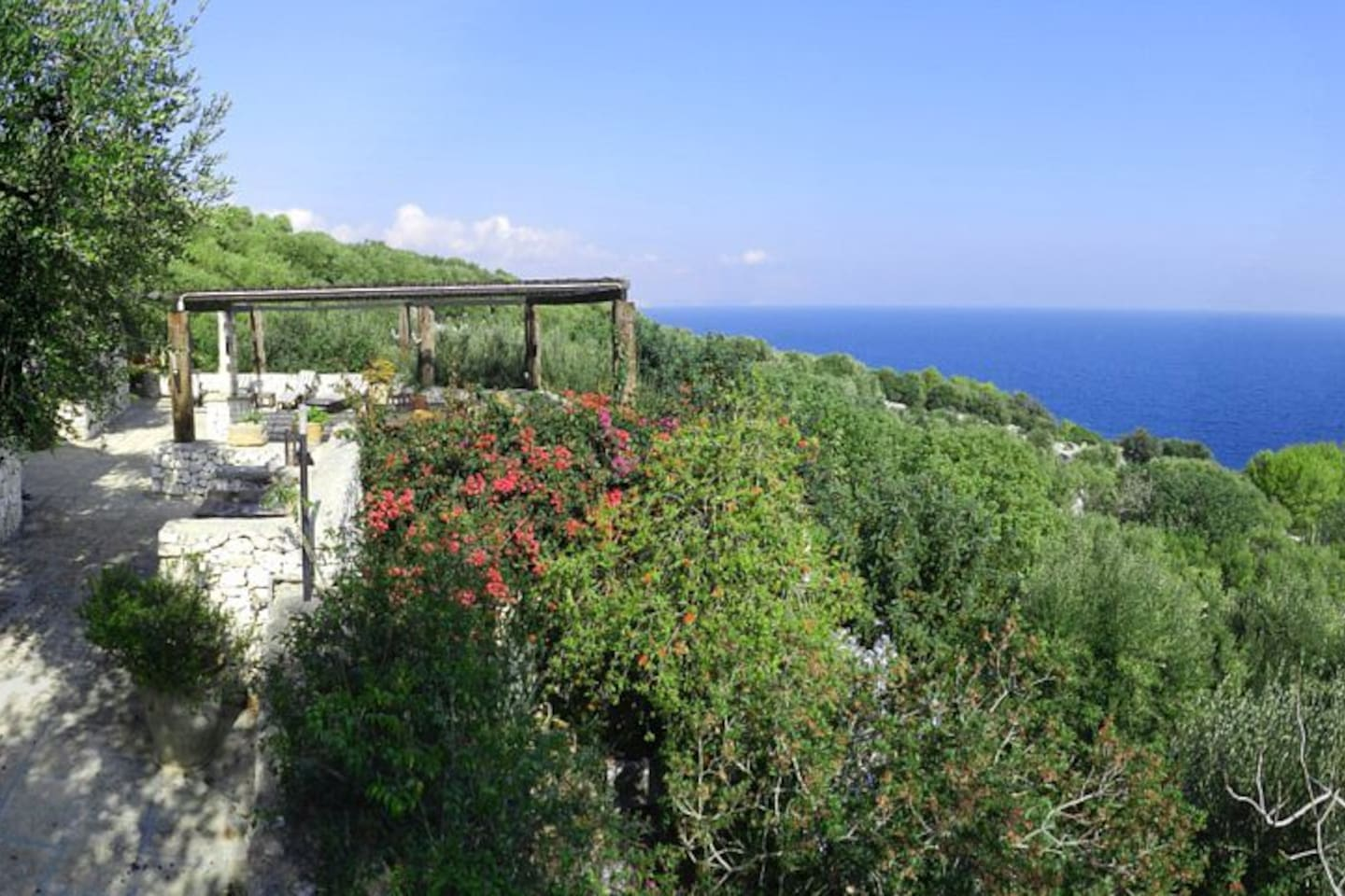 Upper level pergola with sea view