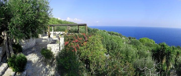 Villa tipica con vista panoramica sul mare