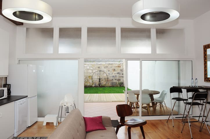 LOFT WITH PARKING AND PRIVATE GARDEN