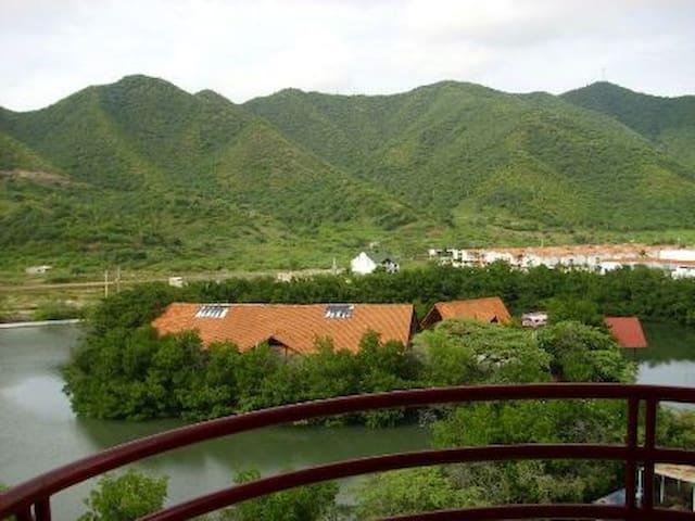 Código NR704A: Apartamento Rodadero con piscinas