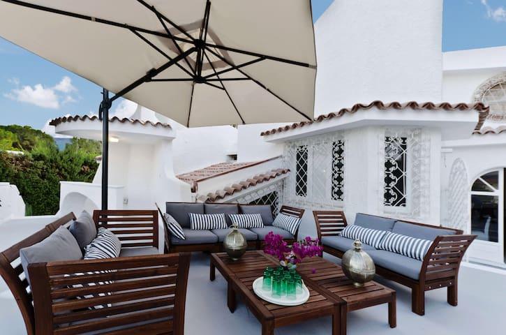 Villa Bougainvillea - Fontane Bianche - Huis