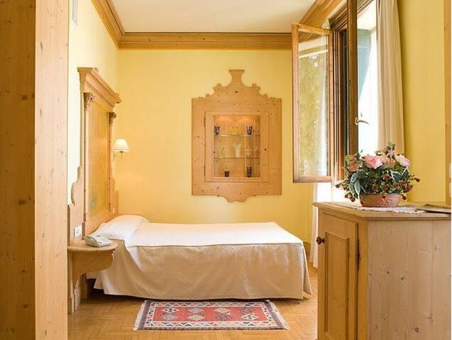 Al Cavaliere stanza matrimoniale + bagno privato