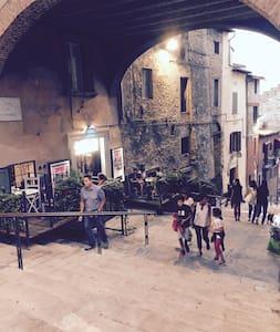 """Casa degli Artisti"" appartamento Monet 35mq - Perugia - Apartment"