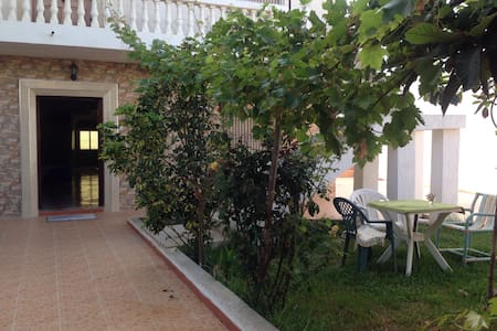 Lovely villa with parking included - Vila