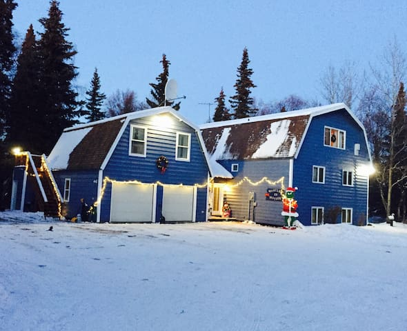 Goose's Getaway @ Duke's Black Dog Lodge - Kenai - Huis