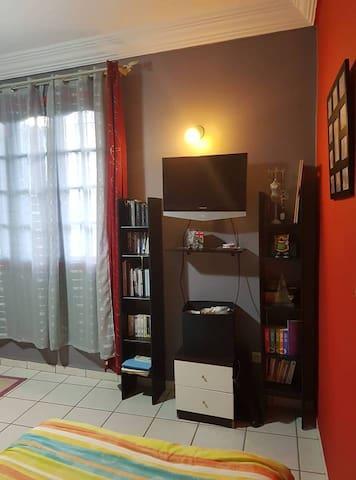 Oran chambre privée dans une maison avec jardin