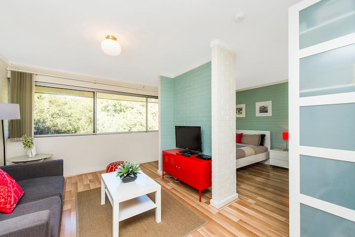 Staywest Shenton Park R46 - Super stylish studio