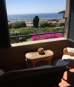 Splendida vista sull'arcipelago toscano - Punta Ala - 아파트
