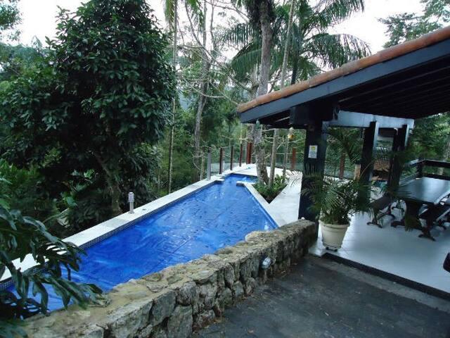 Casa em praia privativa e segura