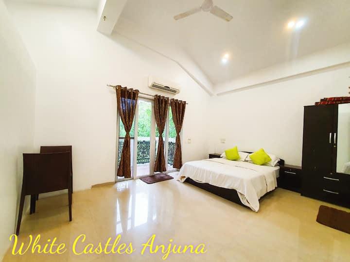 White Castles Anjuna Deluxe Room A3 Jacuzzi Villa