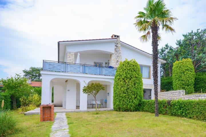 Boutique-Villa in Villaggio Taunus mit Garten