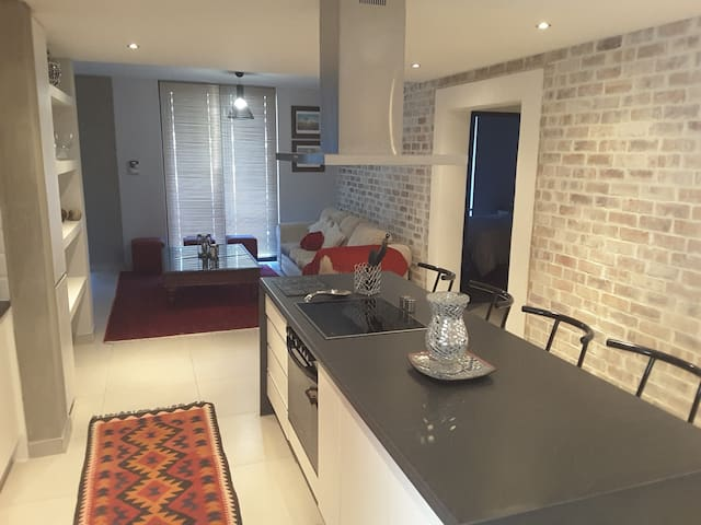 Wild Olive 40 - Cozy and Modern - Windhoek - Apartamento