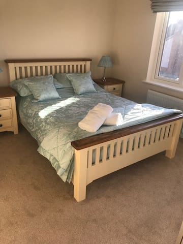 Private  House Double Room available Kegworth £55