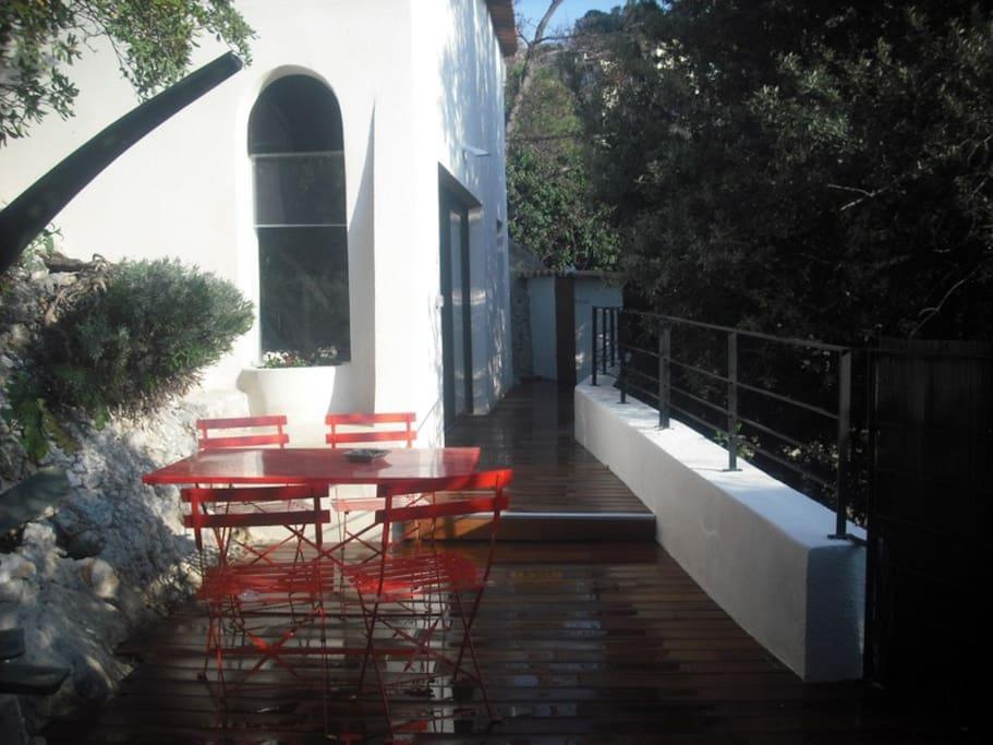 Maison individuelle avec jardin maisons louer for Architecte marseille maison individuelle