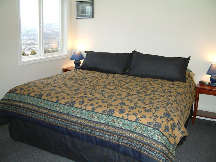 30+ Nights 3 Bedrooms 3 Bed Full Kitchen City view