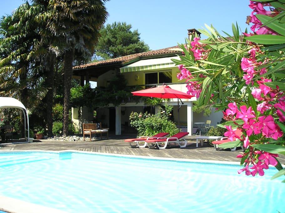 Maison de maitre avec piscine grand parc ombrag for Piscine grand parc