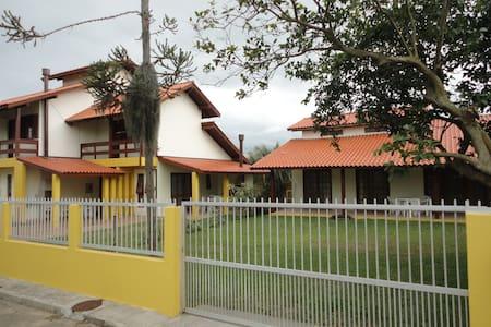 Casa Praia noCampeche, próximo da praia, 5min à pé - Florianópolis
