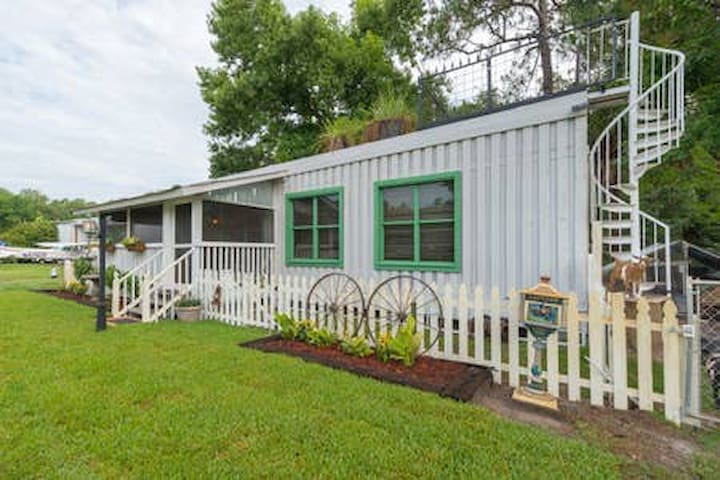 Our NEW Turn of the Century Florida ranch house located on the same property https://www.airbnb.com/rooms/25480766?s=67&shared_item_type=1&virality_entry_point=1&sharer_id=13885996