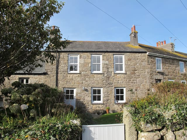 Maud's Cottage, Zennor, St Ives