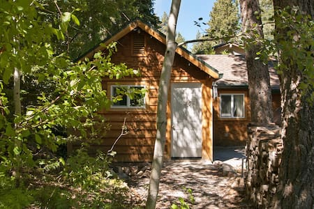 Tahoe City-1Bedroom-Walk to Town! - Tahoe City - Blockhütte