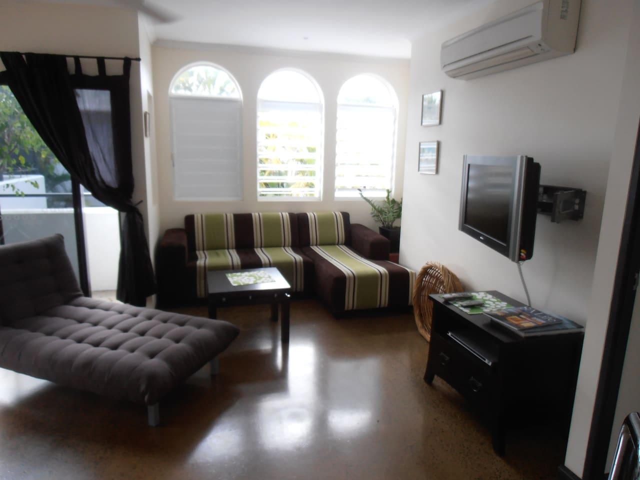 lounge T V room