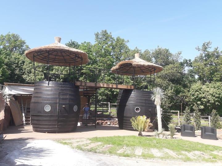 Egzotikus Kert 2+2 fős Óriáshordó bungalók