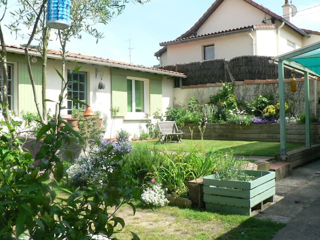 Familial bedrooms near the sea - Saint-Brevin-les-Pins - Bed & Breakfast