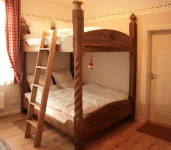 Historical Bedroom for four - Eberstedt