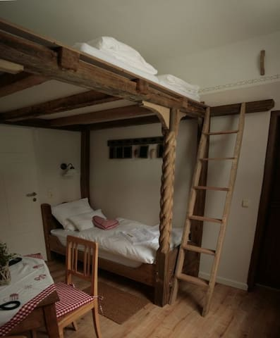 Bedroom for 3 on adventure island - Eberstedt - Hus