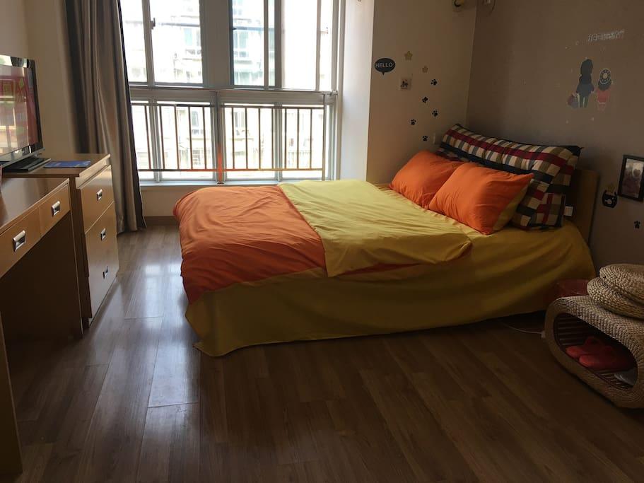 舒适温馨大床房