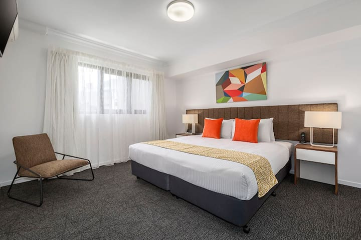 Stunning Executive One Bedroom Apartment
