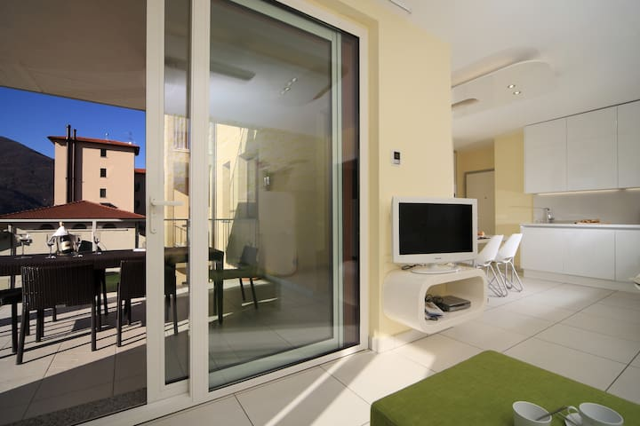 Superior 1 bed design apart con grande terrazza
