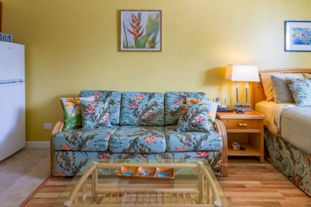 Beautiful studio apartment in the heart of Waikiki with all the necessities you'd ever need!
