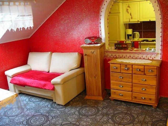 """Apartment   """" Holunder mit Balkon """" - Dinkelsbühl - Huoneisto"""