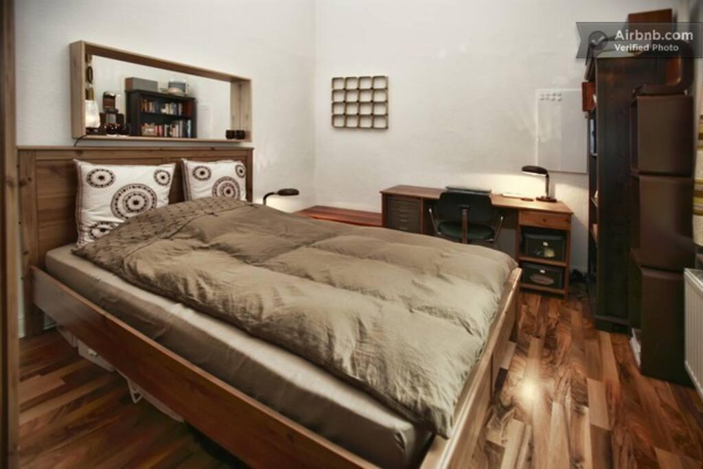 Bett für zwei Personen