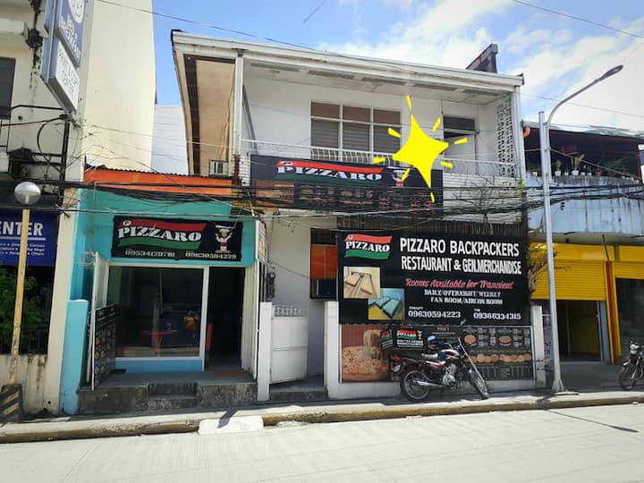 Pizzaro Backpackers Kalibo 2rooms w/ fibr internet
