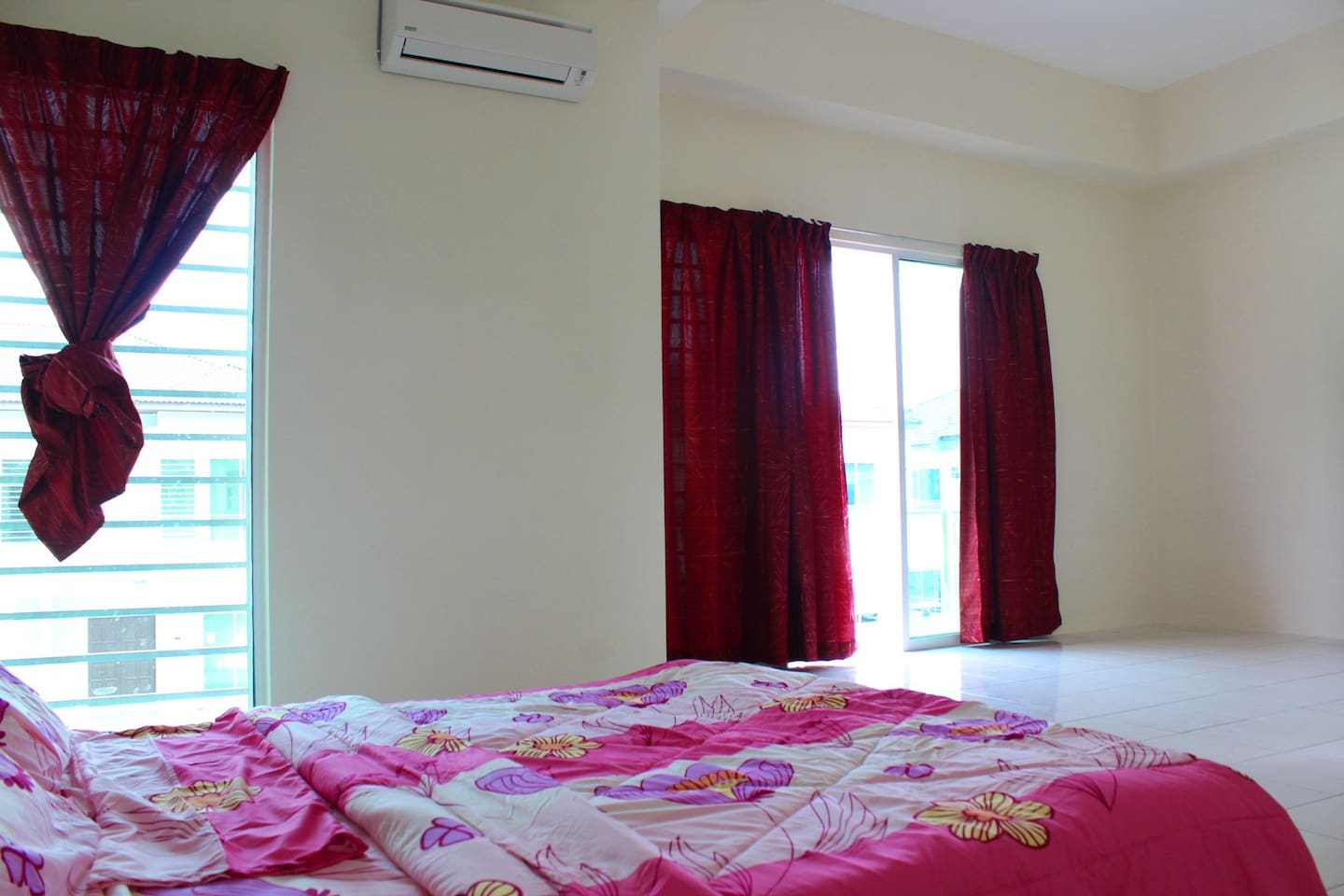 Spacious Bedroom can accommodate more people