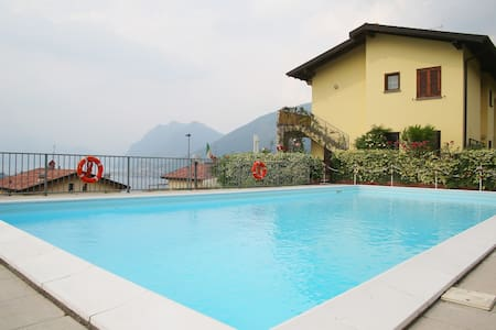 Iseo lake flat with private garden - Sale Marasino