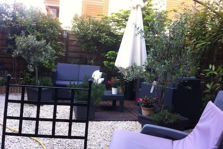 Chambre privée dans villa - Baillargues - 別荘