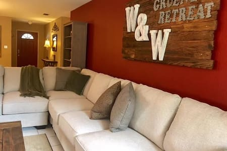 W&W GRUENE RETREAT VACATION RENTAL