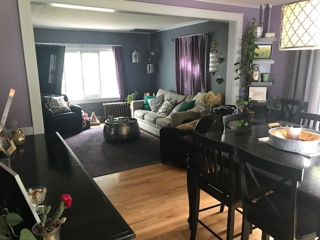 Cute 3 bed, great backyard 10min 2 SPAC/15 2 Track