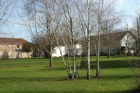 Maison de campagne en Périgord vert - Thiviers