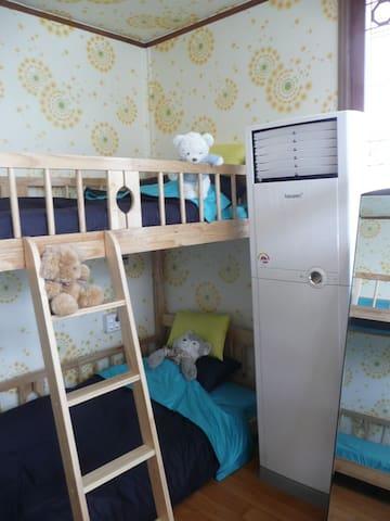 봄꽃(Bomkkot)Guesthouse(여-Female dorm)