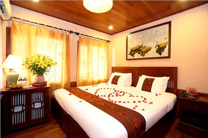 Indochina Sails - Deluxe Cabin - Ha Long - Barco