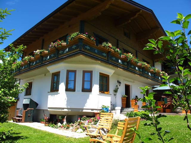 Idyllic Stay at Haus Waldrast  - Filzmoos - Appartement
