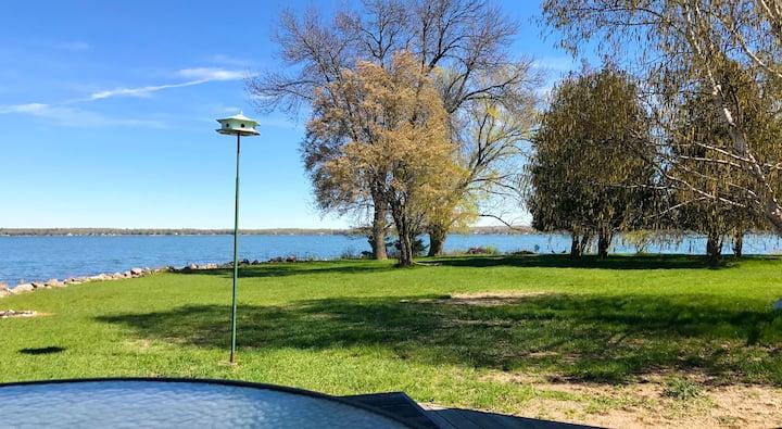 Panoramic Lakeside House on Private Peninsula